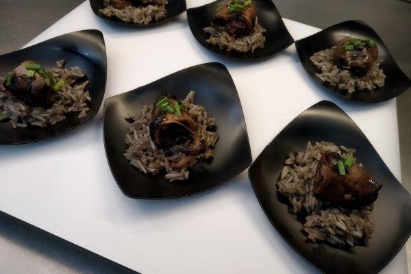 Chipirones en su tinta conserva con arroz