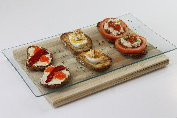 Aperitivos de tostadas con paté de pescado
